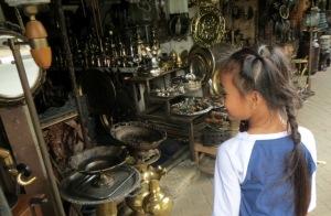 pasar-barang-antik-jl-surabaya